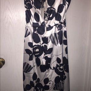 White House Black Market Dresses - White House Black Market size 0 strapless dress